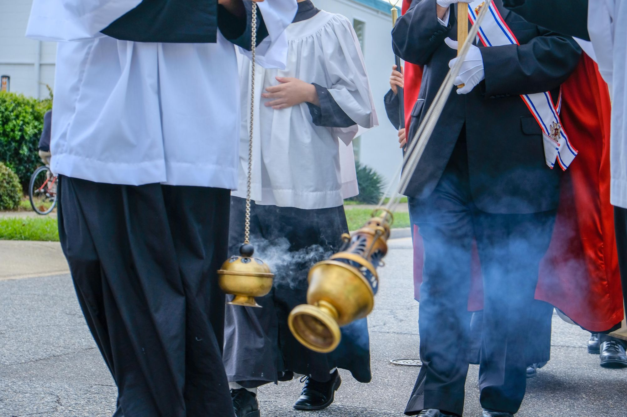 censers-and-altar-boys-at-a-procession-from-sdcason-dot-com